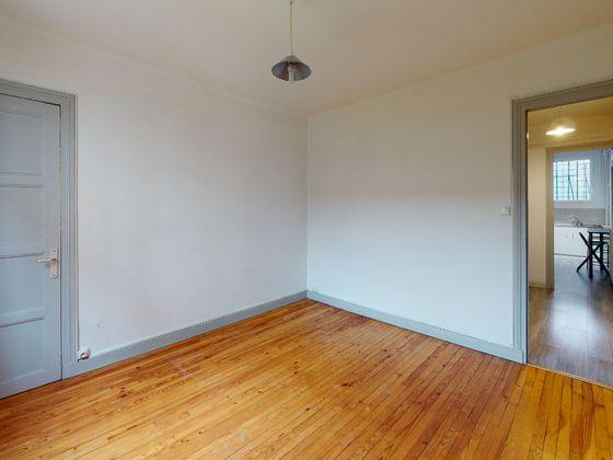 Location studio meublé 33,05 m2