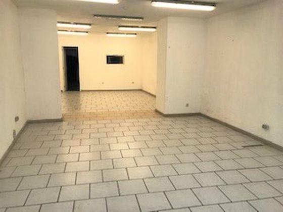 Vente divers 3 pièces 84,65 m2