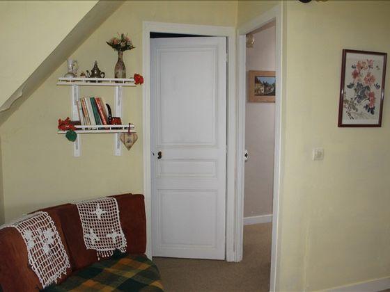 Vente maison 5 pièces 682 m2