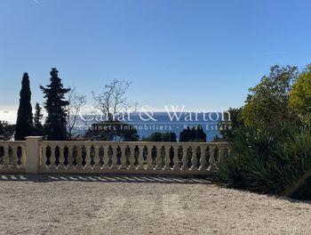 villa à Carqueiranne (83)