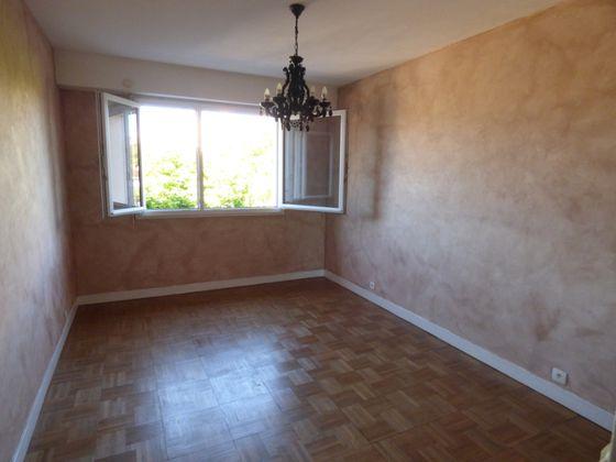 Location appartement meublé 3 pièces 68,63 m2