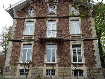 Maison 8 pièces 262 m2