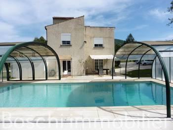 Villa 10 pièces 241 m2