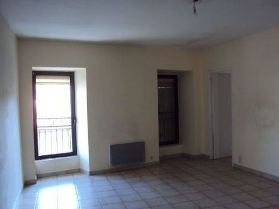 Location appartement 2 pièces 77,83 m2