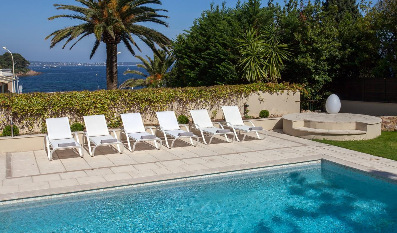 Property with pool Cannes