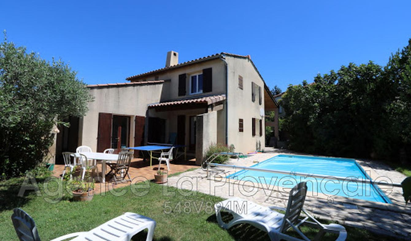 House with pool Montelimar
