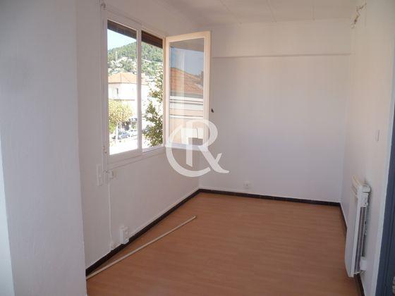 Location studio 19,04 m2