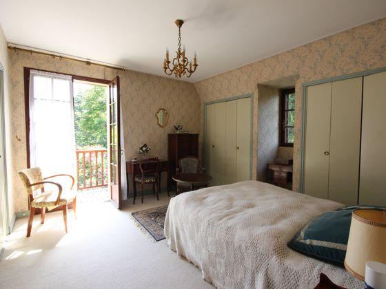 Vente maison 6 pièces 177 m2