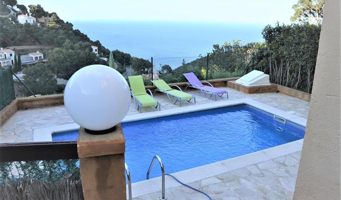 Seaside villa and terrace Begur