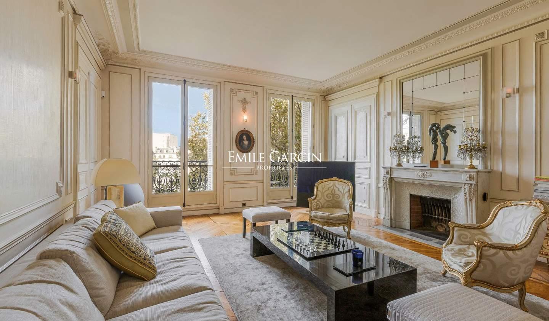 Apartment Paris 4th