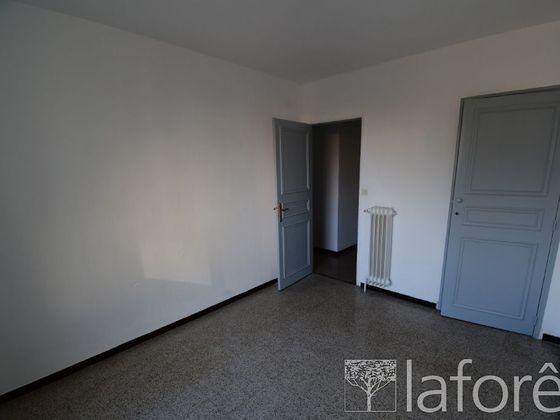 Location appartement 4 pièces 67,84 m2