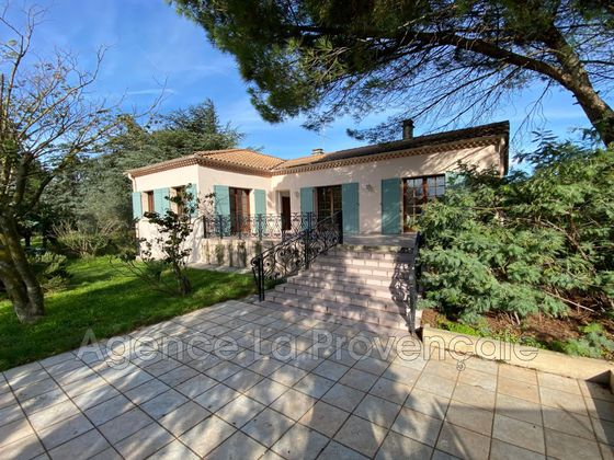 Location maison 4 pièces 2500 m2