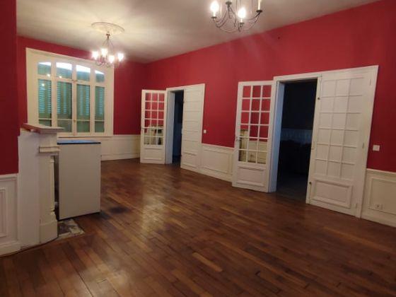Vente maison 10 pièces 281 m2