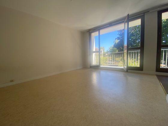 Location studio 31,66 m2