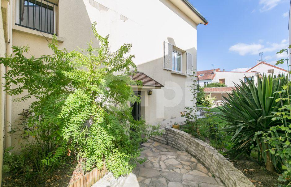 Vente maison 6 pièces 95 m² à Chennevieres-sur-marne (94430), 434 000 €