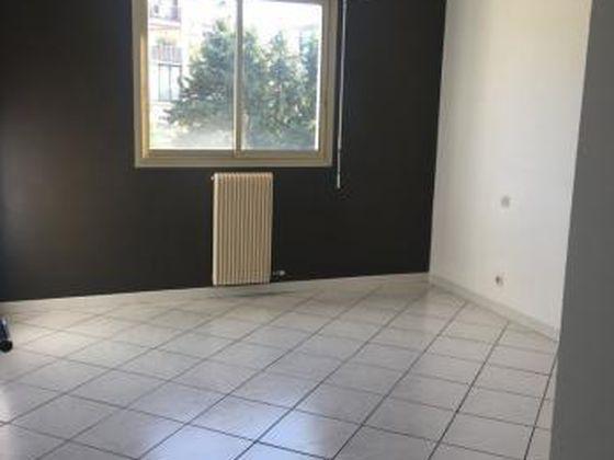 Location appartement 3 pièces 81,83 m2 à Ajaccio