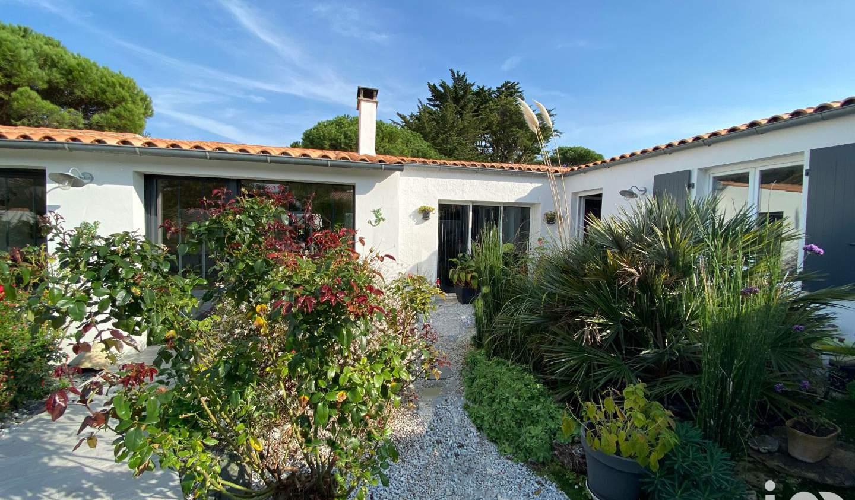 Maison avec piscine et terrasse Le bois-plage-en-re