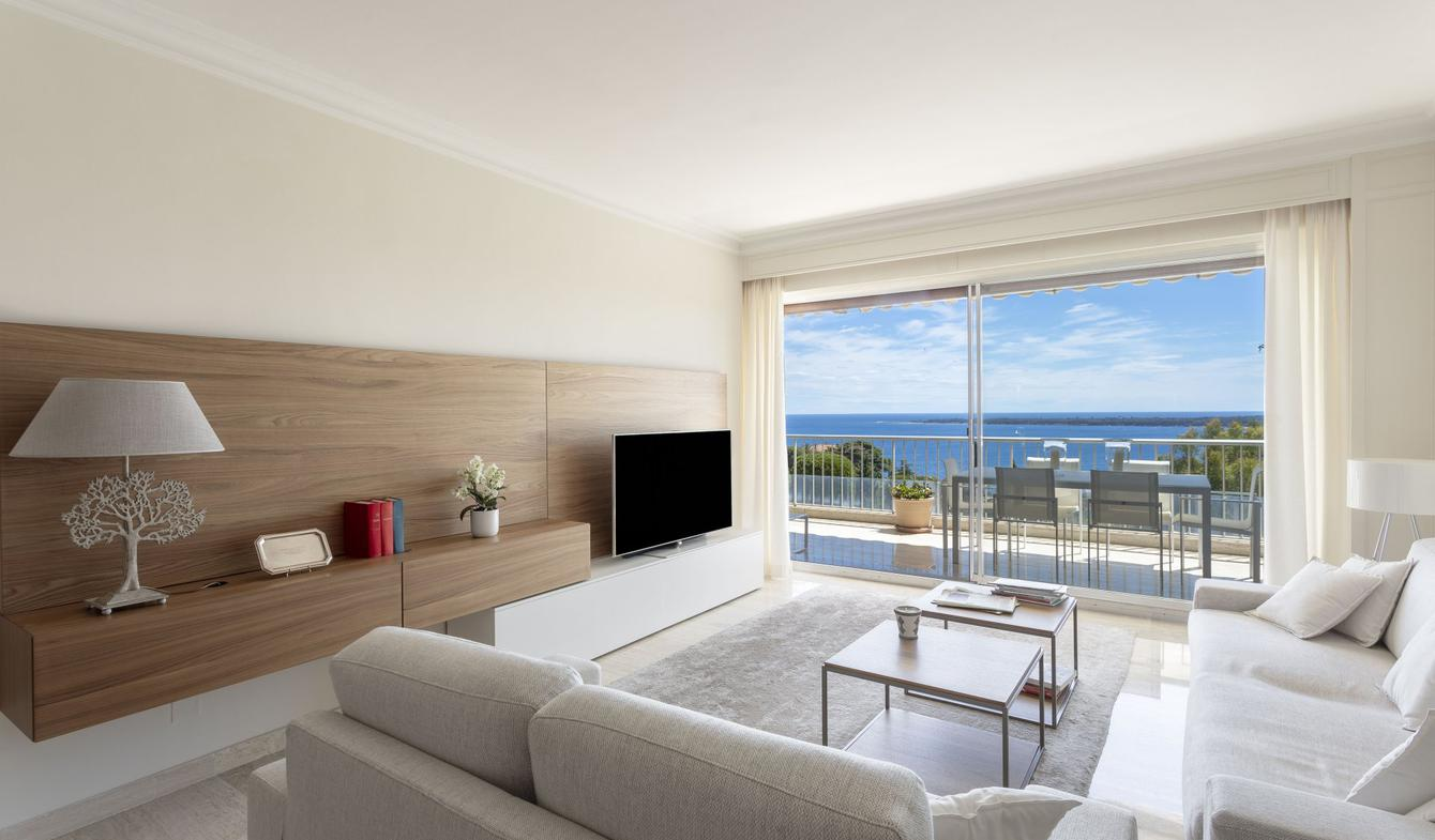 Apartment with pool Cannes
