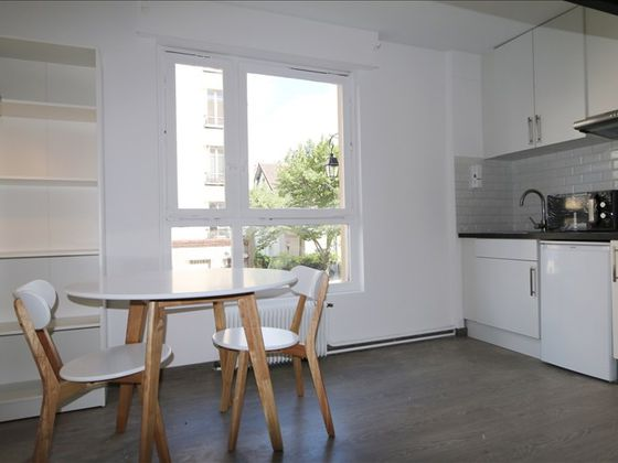Location studio meublé 19,68 m2