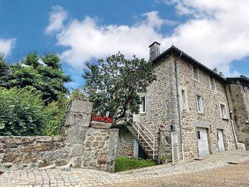 maison à Marcolès (15)
