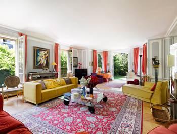 Appartement 9 pièces 253 m2