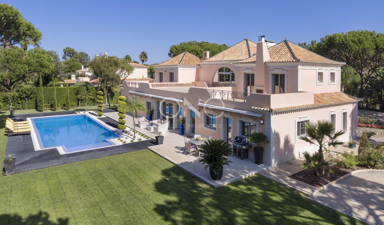 vente maison de luxe almancil 2 000 000 5000000 2 050 m. Black Bedroom Furniture Sets. Home Design Ideas