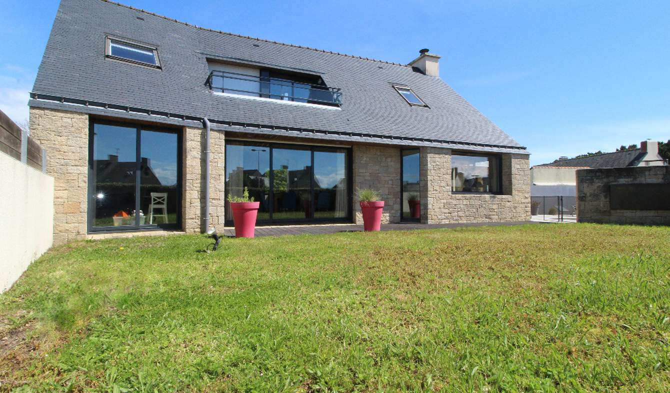 Maison avec piscine et terrasse Arzon