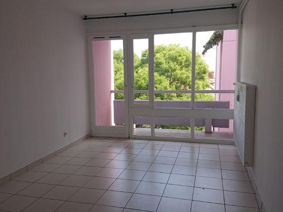 Location studio 22,76 m2