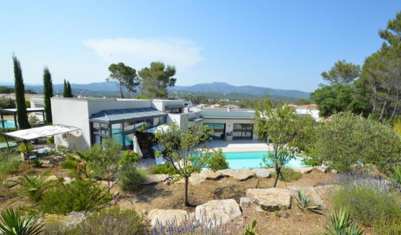 Villa avec piscine et terrasse Valescure