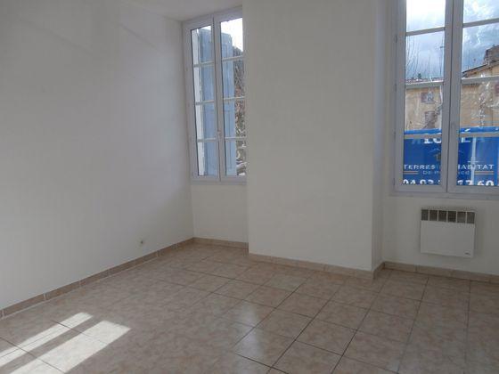 Location appartement 3 pièces 75,41 m2