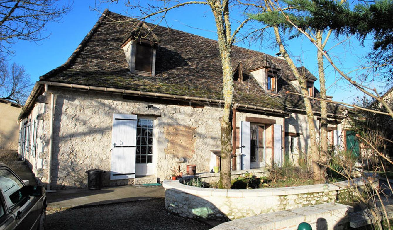 House with garden and terrace Issigeac