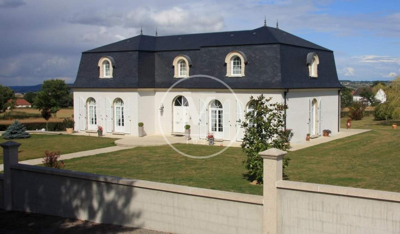 House with terrace Néris-les-Bains