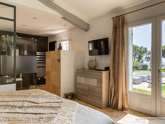 Vente propriété 6 pièces 240 m2