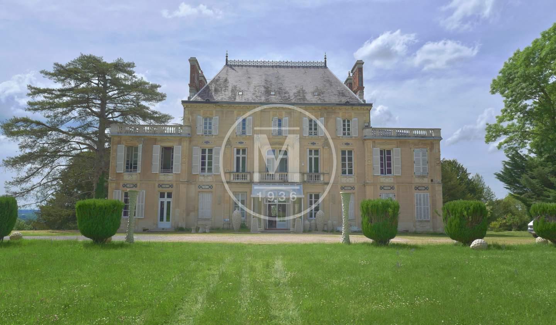 Castle Nevers