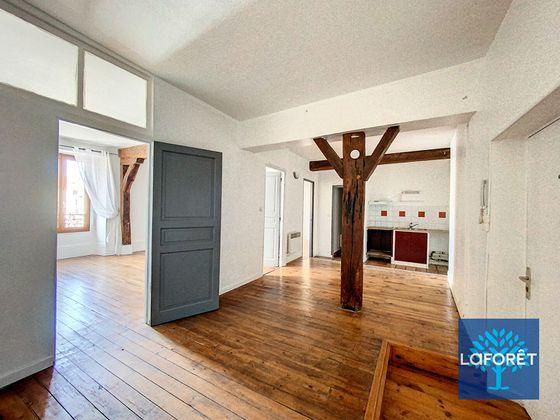 Location appartement 2 pièces 68,93 m2