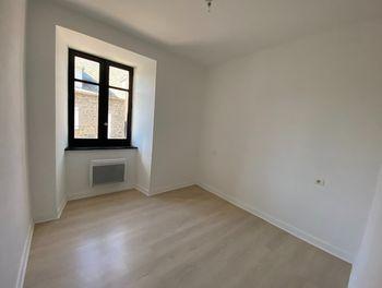 appartement à Pierrefort (15)