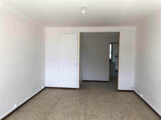 Location appartement 3 pièces 71,42 m2