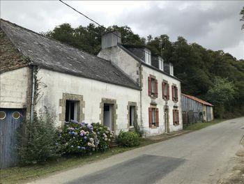 maison à Saint-Hernin (29)