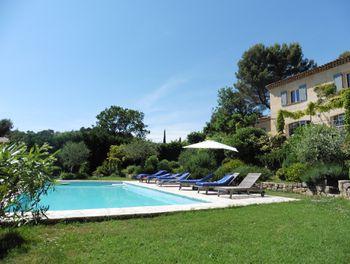 villa à Le Rouret (06)
