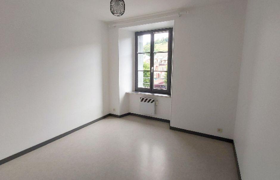Location  appartement 5 pièces 102 m² à Saint-Flour (15100), 729 €