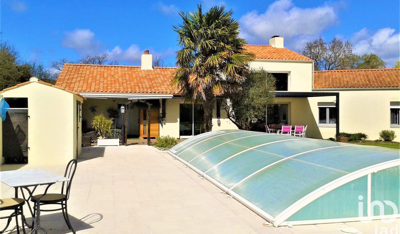 Maison avec piscine et terrasse Le Fenouiller