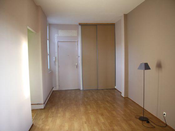 Location appartement 2 pièces 39 m2 à Avignon