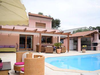 villa à Saint-Cyr-sur-Mer (83)