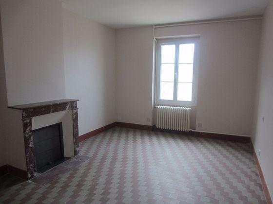 Location maison 3 pièces 80 m2