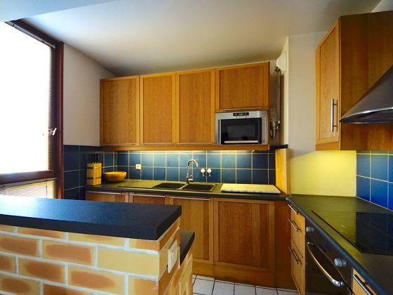 Location appartement meublé 3 pièces 67,18 m2