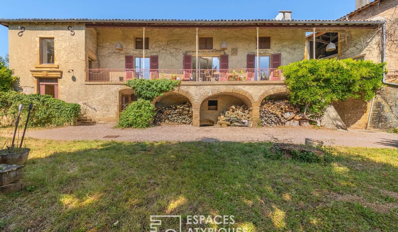 House with terrace Theizé