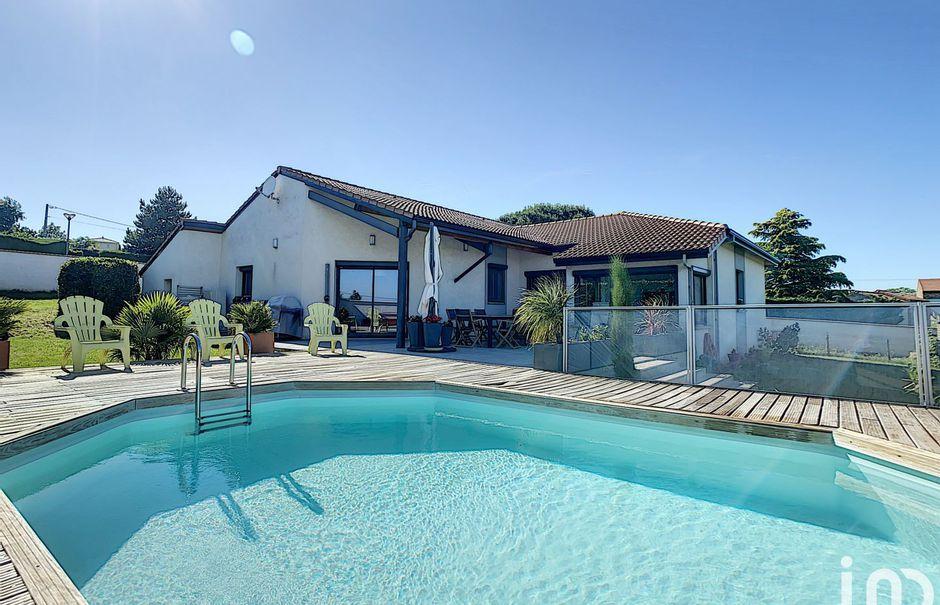 Vente maison 5 pièces 140 m² à Charnas (07340), 410 000 €
