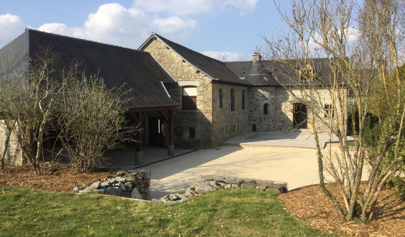 House with terrace Dourdain