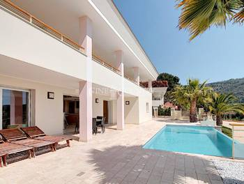 Villa 6 pièces 320 m2