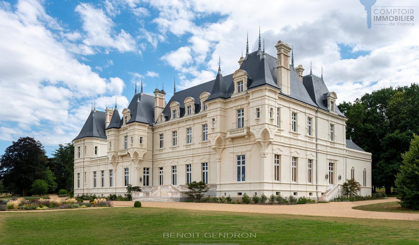 Castle Le Bourg-d'Iré